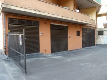 Ex magazzino stoccaggio mobili viale bracelli caemar for Magazzino mobili